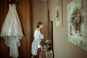 Nikos Dimou_Bride or groom alone (wedding day)_80